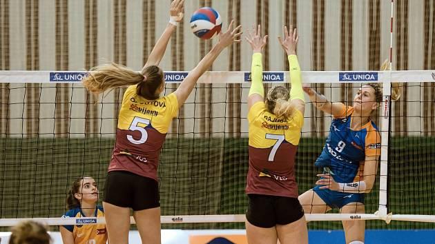 Volejbalistky Liberce vyhrály v Olomouci 3:0 a posunuly se do čela tabulky.