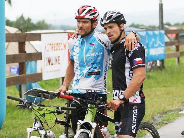 VÍTĚZOVÉ. Vlevo Roman Šinkovský, vedle Tomáš Petreček.