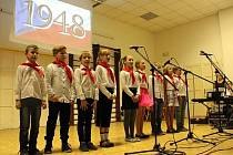 Děti ze ZŠ Mašov slavily 100 let republiky.