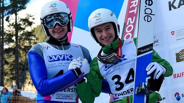 Zlato a bronz, závodníci Dukly Liberec bodovali na mistrovství světa juniorů. Zleva Ondřej Pažout a Jan Vytrval.