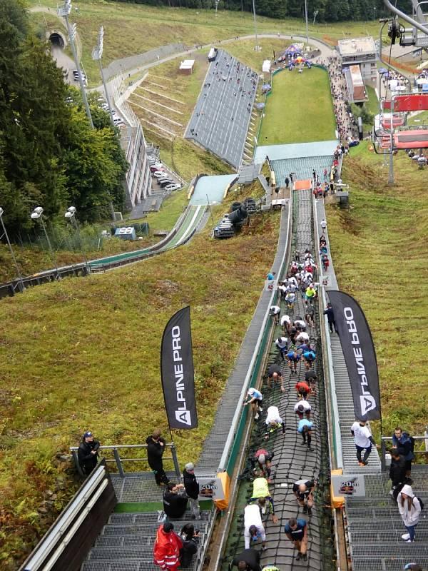 Extrémní běh do můstku - Red Bull 400 Liberec 2021
