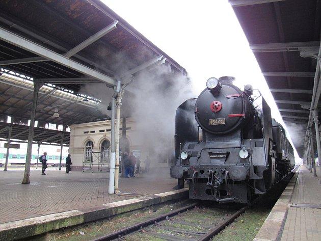 Liberecké nádraží se objeví v dalším filmu, tentokrát o osobnosti Aloise Rašína.