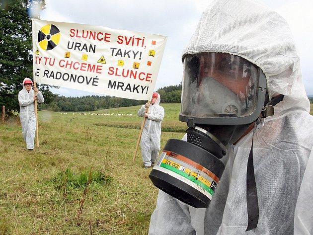 Protest proti těžbě uranu v obci Kotel u Osečné.