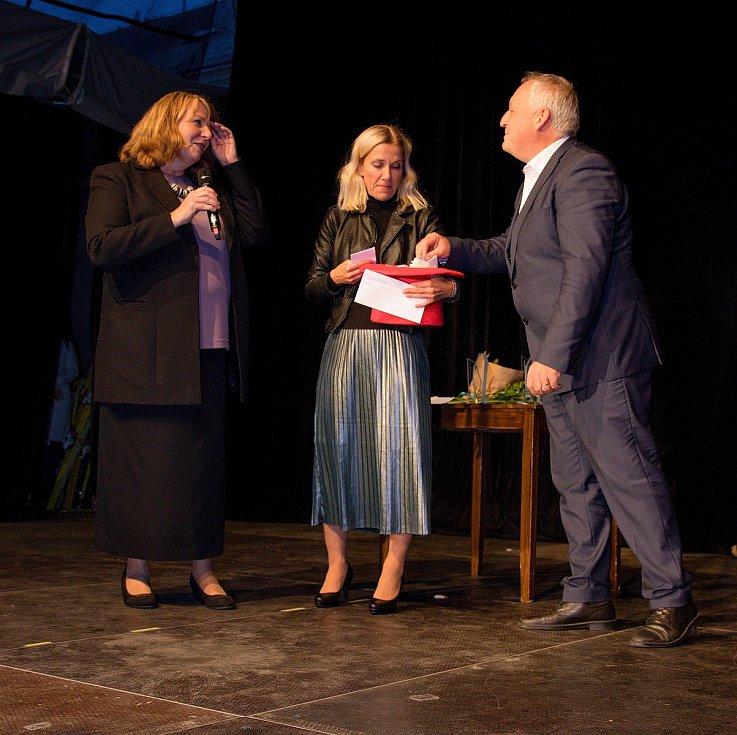 Pěvkyně Lívie Obručník Vénosová, herečka Karolína Baranová a tanečník Rory Ferguson. To jsou vítězové letošního ročníku Liberecké Thálie.