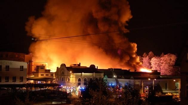Požár bývalé textilní továrny Kolora v Liberci - Vesci