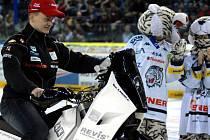Motocyklový jezdec David Pabiška se před odjezdem na dakarskou rallye rozloučil v liberecké Tipspotr aréně.