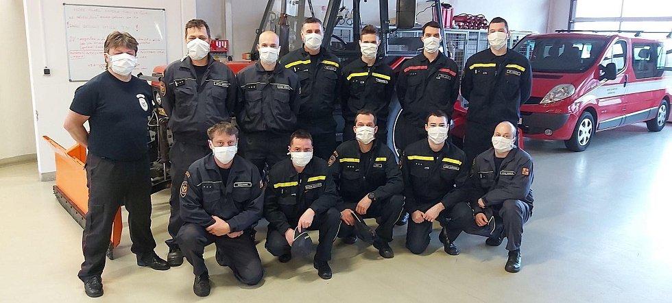Hasiči se v Libereckém kraji zapojili do rozvozu dezinfekce a ochranných pomůcek.