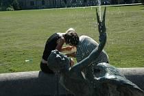 Zámecká fontánka na Sychrově.