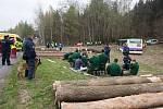 """Na silnici č. 13 mezi Chrastavou a Rynolticemi proběhlo taktické cvičení základních složek IZS a vězeňské služby """"Věznice 2019""""."""