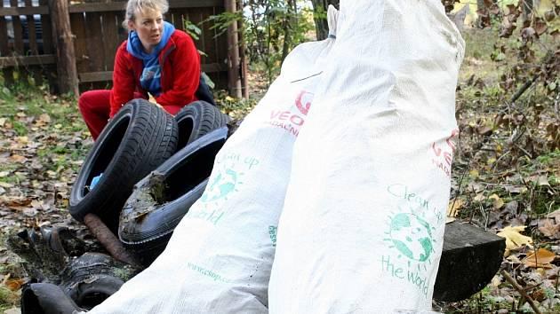 Akce Clean up the World Ukliďme si svět. Opakuje se vždy na jaře a na podzim.