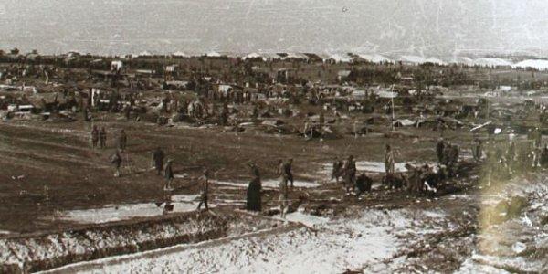 ČESKÝ DUB . Bývalá firmy Triton-Werke, která existovala ale už na začátku války a zabývala se výrobou polarizačních filmů.