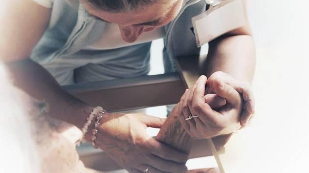 Mycí rituál zlepší život klientům hospicu