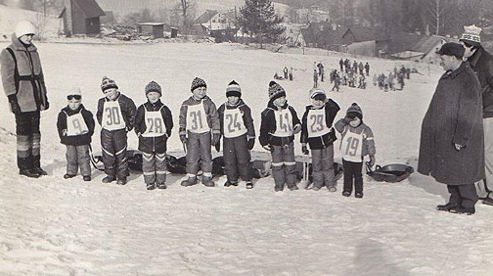 TJ Sokol v Oldřichově v Hájích. Zima 1983.