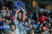 Dohrávka zápasu 11. kola Tipsport extraligy ledního hokeje se odehrála 26. února v liberecké Home Credit areně. Utkaly se celky Bílí Tygři Liberec a HC Dukla Jihlava. Na snímku je roztleskáavčka Tigers Cats.