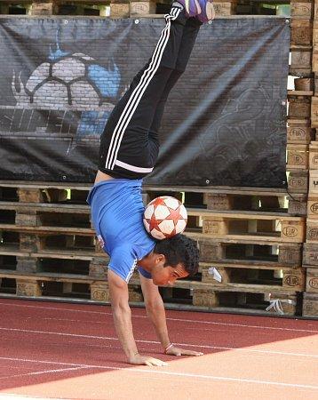 Super ball míří do Tipsport areny. Na snímku Mexičan Marwin.