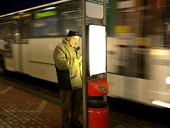 Noční autobusy a tramvaje lidé přivítali.
