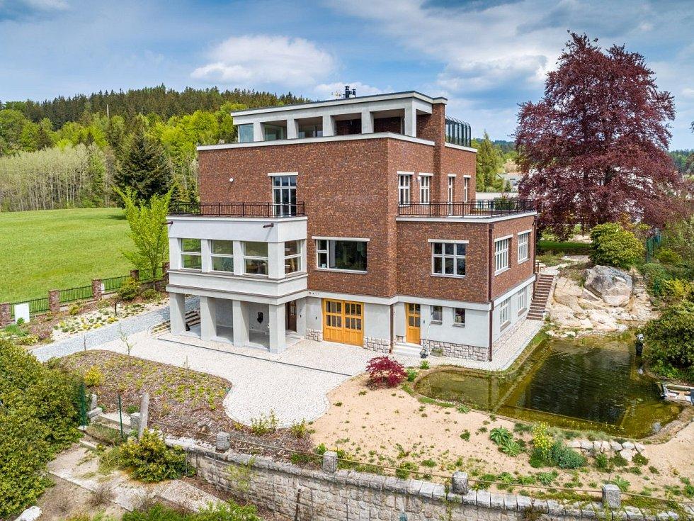 Rekonstrukce vily Rudolfa Háska v Jablonci.