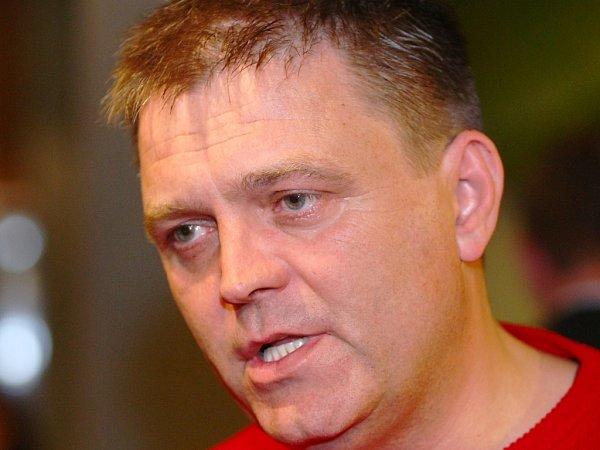 Odstupující předseda ČSSD Robert Dušek.