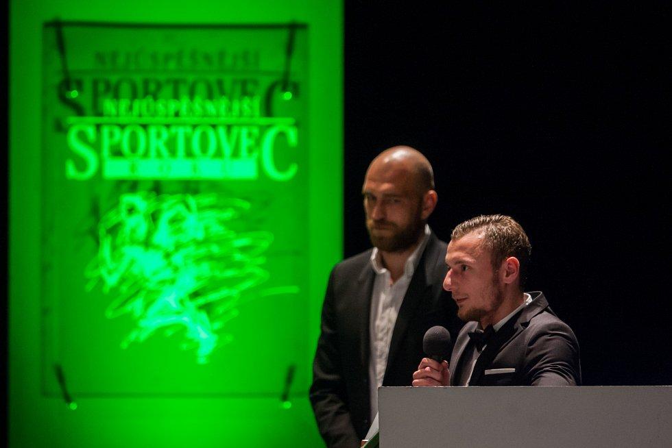 Vyhlášení ankety Nejúspěšnější sportovec Libereckého kraje za rok 2016 proběhlo 4. dubna v libereckém Divadle F. X. Šaldy. Na snímku vpravo Vladimír Coufal.