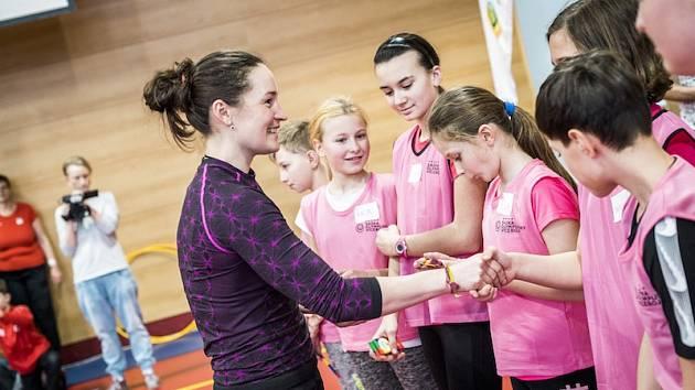 Veronika Vítková zavítala mezi děti na základní školu v Semilech.