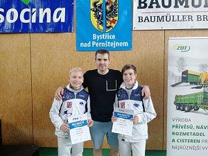 Šerm Liberec se zúčastnil turnaje ve fleretu dospělých a kadetů