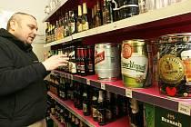 Až 80 druhů piva nabízí svým zákazníkům prodejna v libereckých Ruprechticích.