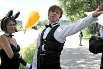 MULTIKINO CINESTAR uvede novou českou komedii Líbáš jako ďábel v předpremiéře na Dámské jízdě.