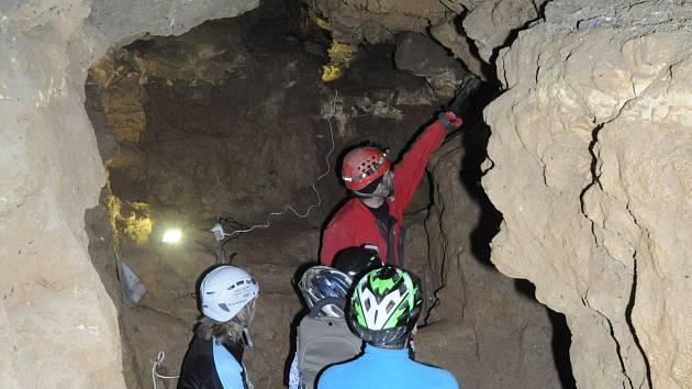 Liberečtí jeskyňáři připravili na sobotní odpoledne další ročník Speleologického dne v Panském lomu v Horním Hanychově.