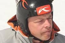 Karel Lank na startu obřího slalomu.
