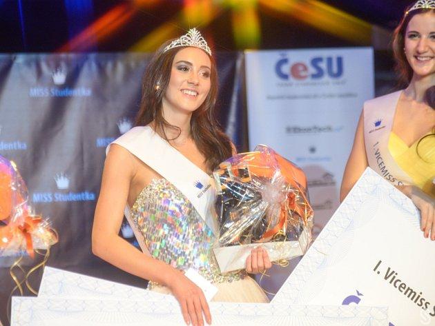 Královnou studentů se stala Nikola Braxatorisová z Technické univerzity.
