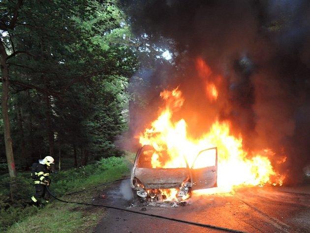 Požár osobního automobilu.