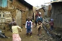 CHUDOBA. Fotografie Evy Obořilové ukazují život v největším africkém slumu.