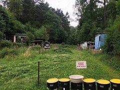 Na tomto místě nalezli bezvládné tělo. Jedná se o lokalitu v libereckých Radčicích.