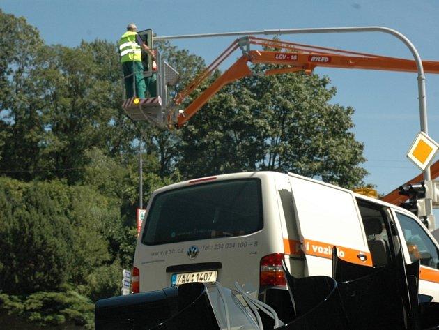 Instalace LED diod do semaforů na křižovatce ulic Dr. Milady Horákové a Košické.