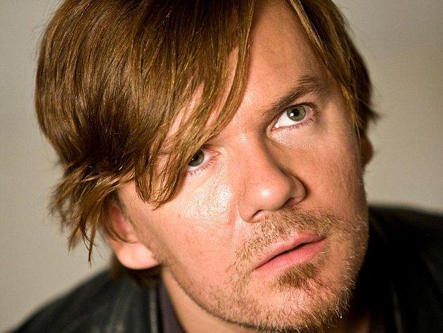 MICHAL HRŮZA, zakladatel a exzpěvák skupiny Ready Kirken, je i autorem hitů Anety Langerové či Olgy Lounové.