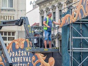 Náměstí Dr. E. Beneše v Liberci se proměnilo v Pražský karneval světel