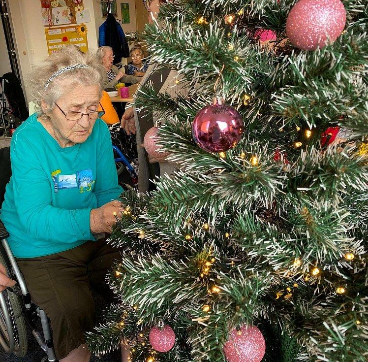 Vánoční výzdoba v domově pro seniory Beránek v Úpici.