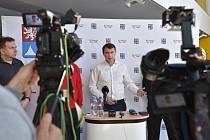 Tiskový brífink po jednání krizového štábu Libereckého kraje v sobotu 14. března.