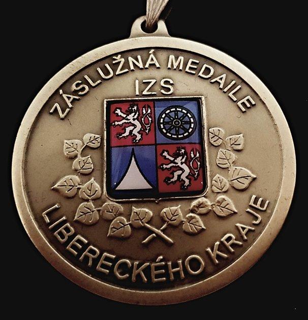 Čtrnáct vybraných osobností převzalo záslužnou medaili IZSLibereckého kraje II. stupně