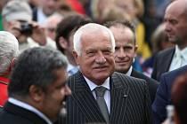 Při návštěvě Chrastavy stříleli na prezidenta Václava Klause.