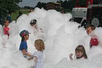 V Jindřichovicích pod Smrkem si svůj den užili děti i dospělí.