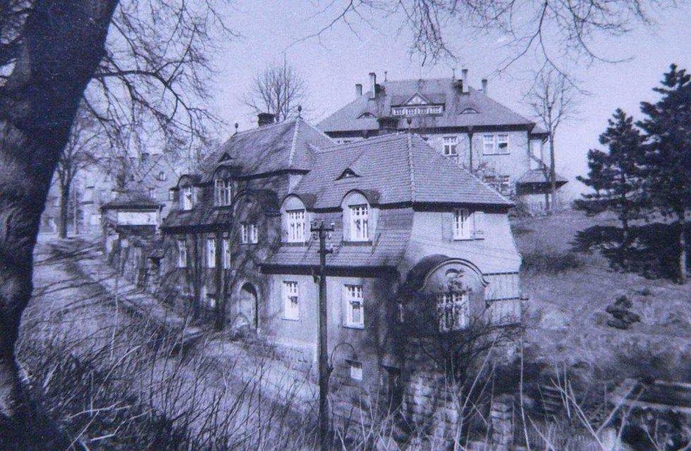 Foto domu čp. 434/IV ze soupisu domů fy. J. Liebiega & Comp. z roku1940 od arch. A. Corazza, s. 101