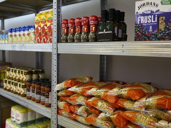 Vyřazené potraviny obchodních řetězců poslouží sociálně slabším občanům nebo bezdomovcům.