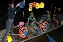 Skauti slaví Lampionovou plavbou