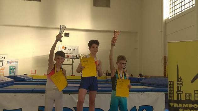 Skokani z Liberce vezou z turnaje 5 medailí