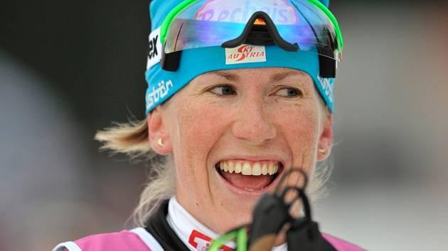 Zkrácenou Jizerskou padesátku vyhrál Pedersen, Řezáč byl sedmý. Závod žen ovládla česká rodačka reprezentující Rakousko Kateřina Smutná (na snímku).