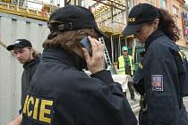Podobnou kontrolu provedla minulý týden cizinecká policie na Ústecku, kde si posvítila na cizince na stavbách. Nyní přišel na řadu Liberecký kraj, kde se akce odehrála předevčírem.