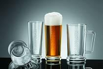 ČESKÉ SKLÁŘSTVÍ není na útlumu. Zájem je o české technologie, technologie, ale také český průmyslový design. Pro české pivovary navrhuje například světoznámý návrhář Rony Plesl.