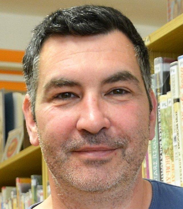Tomáš Vlček, ředitel knihovny ze Cvikova.
