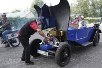 Lidé z vratislavického Automuzea.cz a Veteran Car Clubu NISA si připomněli historicky první dálkovou jízdu automobilového pionýra Theodora von Liebiga z Liberce na rodinné sídlo Gondorf u německého města Koblenz.